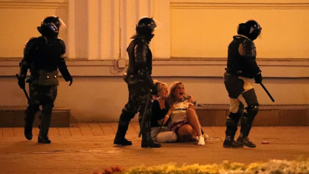 OMON security forces terrorising people in the streets of Minsk